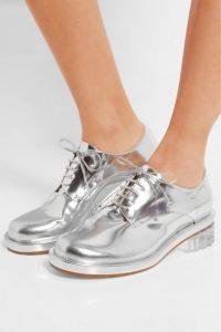 серебристая обувь rochas