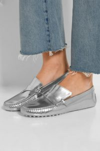 серебристая обувь tods